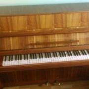 PIANO DE PARED CHERNY