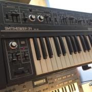 Roland SH-09 de 1980.