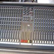 Vendo o cambio SoundCraft SPIRIT LX7 32 + FLIGHT CASE+ ENVIO