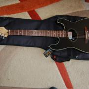Fender Stratacoustic Negra con funda Fender