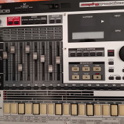 Roland MC 808 Sampling Groovebox