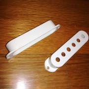 Fender Pickup Covers Strat original - color: White Parchment 2ud