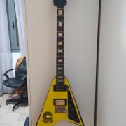 Guitarra Hondo Randy Rhoads