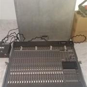 MESA BEHRINGER MX8000A