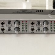 BEHRINGUER AMP800