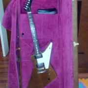 Gibson Explorer (1990)