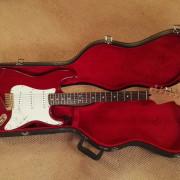 Fender Deluxe Stratocaster Mejorada