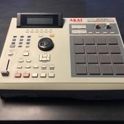 AKAI MPC 2000XL (32MB + COMPACT FLASH)