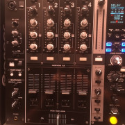 Pioneer DJM 750K