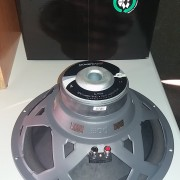 "Subwoofer coche 15"" 4 ohm 300w RMS"