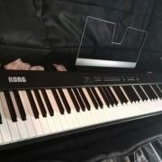 Piano de escena Korg SP-100