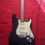 FERNANDES R9 stratocaster