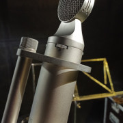 Material de Estudio, Directo, Guit., Bass, Bateria, Voz (Focusrite, AKG, Studio Projets, Audient, T.C. Electrónics )