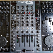 Mesa de mezclas Allen & Heath Xone 4d