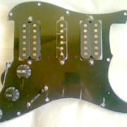 GOLPEADOR-PICKGUARD TIPO STRATOCASTER HSH