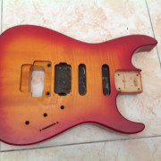 Charvel 475 exotic 1990 made in Japan (SOLO CUERPO)