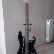 Fender Precision MIM, pastillas Seymour Duncan y ROCKCASE