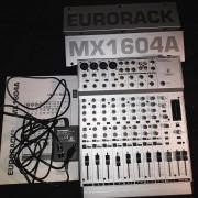 MESA BEHRINGER EURORACK MX1604A, 12 CANALES,16 ENTRADAS Y 2 BUSES IMPECABLE Y A TODA PRUEBA