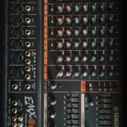 Juego de Voces Yamaha EMX 860 st+ pantalla eurosis 300w pasiva+monitor 200w pasivo