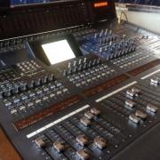 Mesa de mezclas digital Yamaha DM 2000
