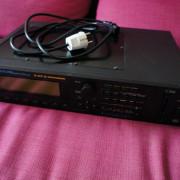 Roland JV 2080 expandido con 7 tarjetas