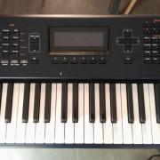 Kurzweil PC3 de 76 notas