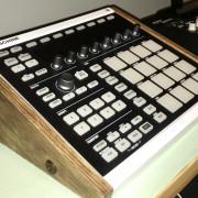 /Cambio: Maschine MKII + Soporte + 3 Custom Kits