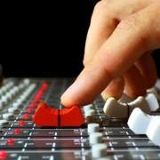 Se busca productor para mezclas