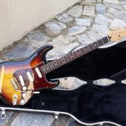 Fender Deluxe series Stratocaster 2011 sunburst