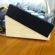 Stand ergonomico para ELEKTRON de madera