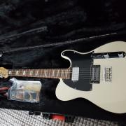 Oferta : Guitarra Fender + Ampli Cornell