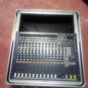 Soundcraft EFX12 con Rack