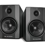 MONITORES M-audio BX5 D2, pareja con soportes