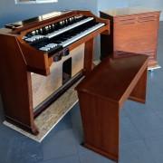 Alquilo organo Hammond A100 y Leslie 145.