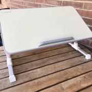 Mesa para portátil ajustable