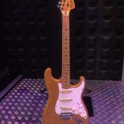 Fender stratocaster  japan año 1984