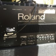 ROLAND KC - 300