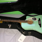 Guitarra electro acústica Fender Sonoran SCE green + Estuche