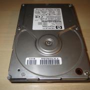 Disco duro SCSI 50 pines 4.2 GB para sampler