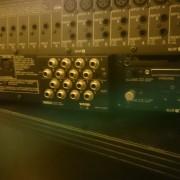 Mesa de mezclas digital YAMAHA 02R V2 + Puente de Vumetros + 3 tarjetas ampliacion