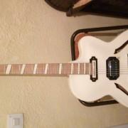 Vendo guitarra jolana