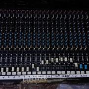 Mesa de mezclas Soundcraft K1 de 24 canales