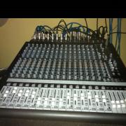 Vend mackie onyx1640+ interface audio+rack a medida.PRECIO A CONVENIR