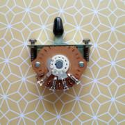 Mercadillo electrónico: Switch Fender Stratocaster 5 vías, Knobs para Strat, tornillos single coil