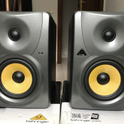Monitores Behringer B1030A (par)
