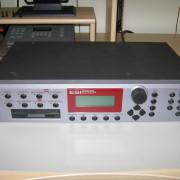 Sampler EMU ESI2000 ampliado + cdrom + zip + librería + cableado