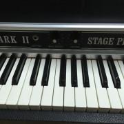 Vendo Piano Rhodes MKII de 73 teclas