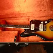 Fender Jazzmaster Avri 65 con Mastery Bridge como NUEVA