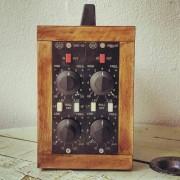 Pareja de EQ Melcor GME-20 vintage en rack custom
