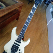 Guitarra Charvel Modelo 6